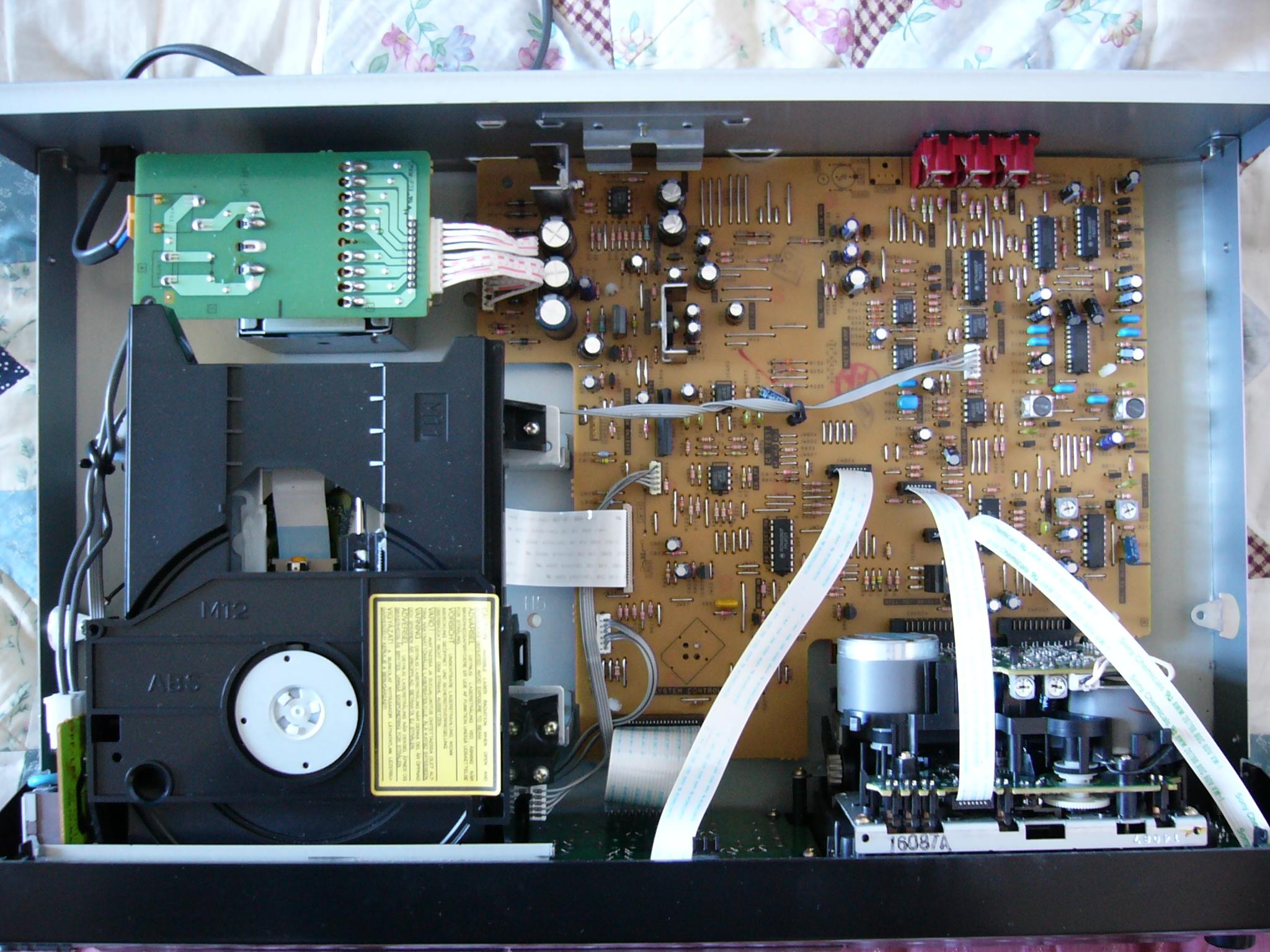 ...специалисты, знакомые с устройством ДВД-привода могут внести необходимые изменения в схему управления...